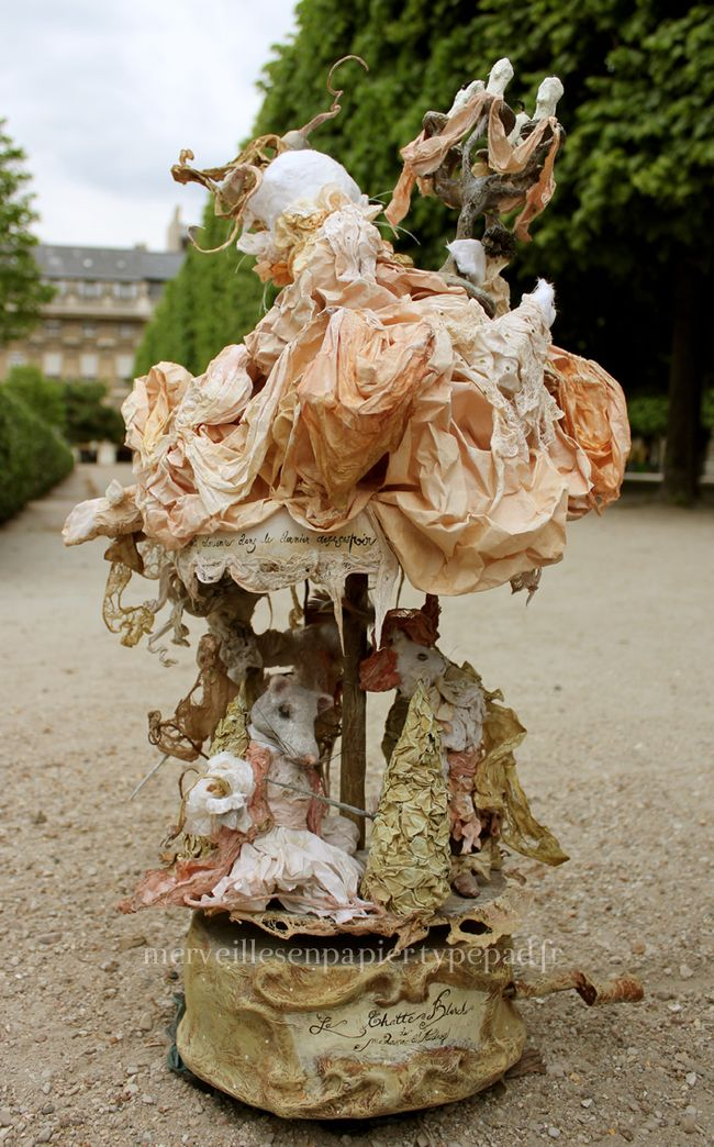 Carrousel-chatte-blanche1