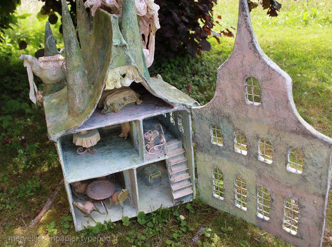 Maison-de-poupée-d'alice-aux-pays-des-merveilles