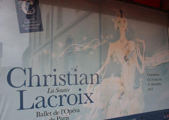 Christian-lacroix-au-centre-du-costume