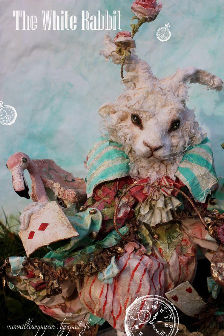 Whit-rabbit-alice-in-wonderland